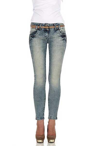 Enge Jeans für schlanke Beine