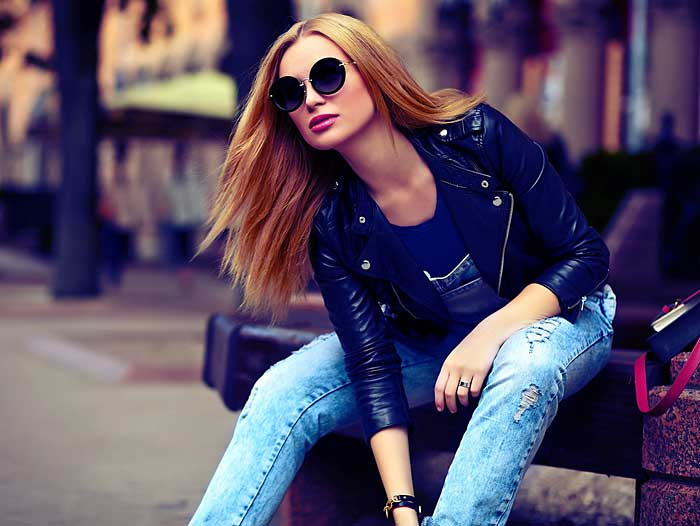 Eigener Stil mit Jeans und Leder © depositphotos.com