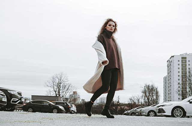 Wintermode mit Leggings © depositphotos.com